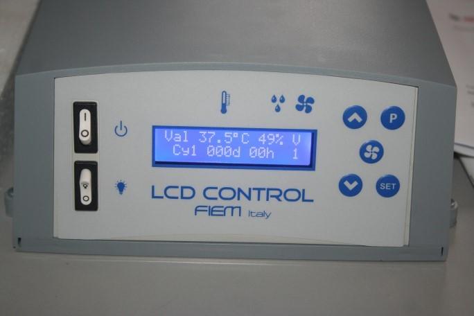 Display incubator